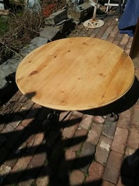Coffee table solid pine wrought iron Mississauga, L5C 2E6