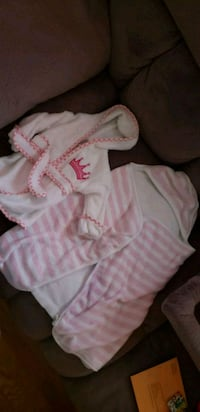 baby's white and pink footie pajama Arlington, 22207
