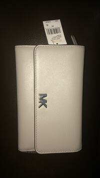 Micheal Kors Carryall Leather  1125 mi