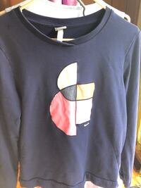 Bench sporty long sleeve sweater Toronto, M2H 3A9