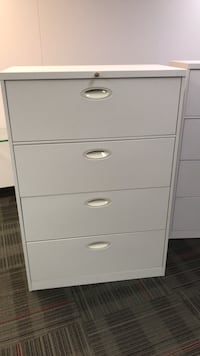 4 drawer beige file cabinet - steelcase Mississauga