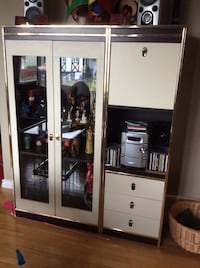 Three piece wall unit in excellent condition. Colour is dark brown and almond...