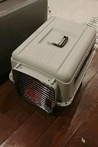 white and black pet carrier Toronto, M1N 2P2