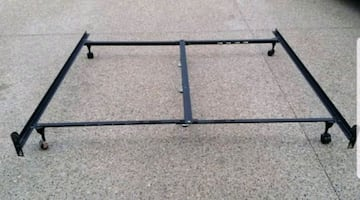 KING SIZE METAL BED FRAME *ADJUSTABLE*