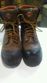 pair of brown leather work boots Winnipeg, R2W 2K7