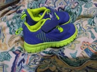 pair of blue-and-green low-top sneakers Nacogdoches, 75964