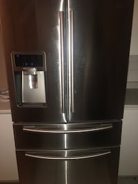 Stainless steel french door refrigerator Laval, H7N 1B9