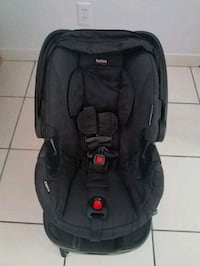 Car Seat W/Base ☆Britax B-Safe  Plantation
