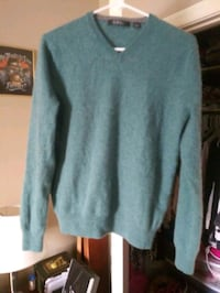 Saks fifth avenue cashmere sweater Winchester, 22601