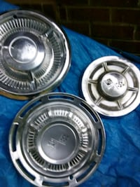 Corvette hubcaps from the 50s and 60s Statham, 30666