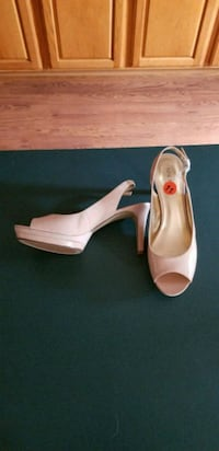 NINE WEST SZ.11 BEIGE WORN ONCE Crownsville, 21032