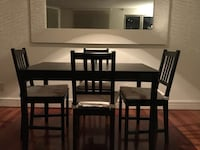 Dining table 4 chairs used for 1 year only Montréal, H3H 2S5