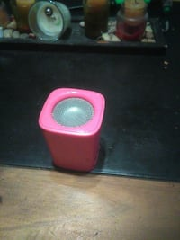pink and black portable speaker