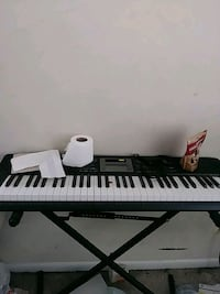 Portable Keyboard With Stand Alexandria, 22306
