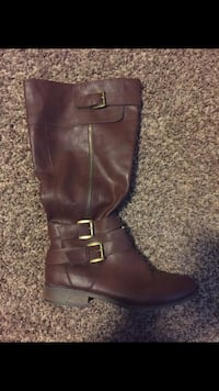 unpaired brown leather side-zip stacked heel wide-calf boot Woodinville