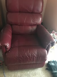 Recliner leather chair Wesley Chapel, 33545