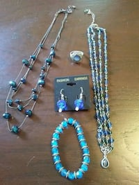 Blue jewelry set Barberton, 44203