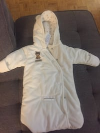 Baby White and gray zip-up hoodie snow suit 536 km