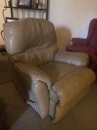 Recliner/Rocker Chair Arlington, 22207