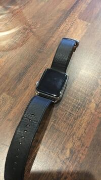 black leather strap silver smartwatch エドモントン, T5H 4L4