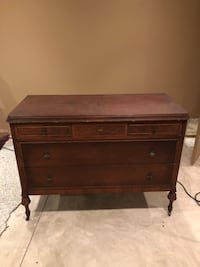 Antique chest chest of drawers