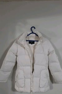 White channel puff jacket with fur hood