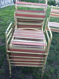 Old school patio chairs 6 total