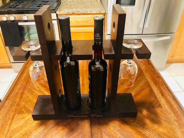 Premium wine rack - 2 bottle 2 glasses