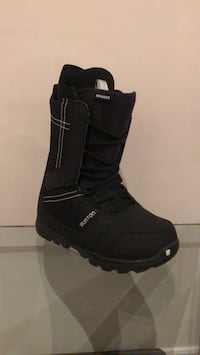 Lightly Used Snowboard Boots Oakville, L6H 7N6
