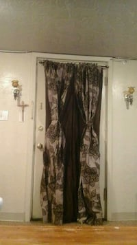 Leaf print curtain set