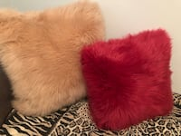 2 Fur pillows