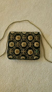 black and gold floral purse Calgary, T3H 1V8