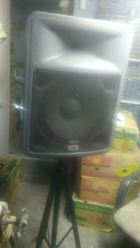 A pair of PR15 heavy speakers w/stands Burney, 96013