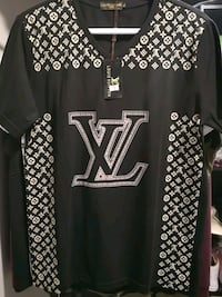 New LV t-shirt fitted med/large Winnipeg, R3N 2A7