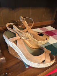pair of brown leather open-toe wedge sandals 540 mi