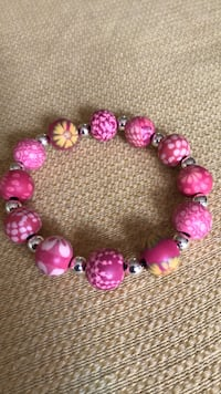 Pink retro Lucite/Clay? One-size-fits-all elastic string bracelet West Palm Beach, 33407