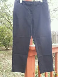 Liz Claiborne cropped pants sz 12 women.