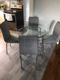 Grey Table Set (Table and 4 Chairs) Port Colborne, L3K 5N1