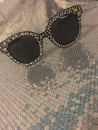 Black Gucci sunglasses for sale  Toronto, M3L 1S2