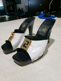 Fendi scarpe Womans Heels Size 5.5B Black,white &  Milford, 06460
