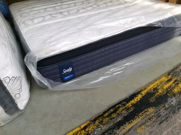 Eurotop queen mattress. Delivery available  2ed2058e-dcf3-428c-9801-c02032b54994