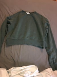 Army green H&M cropped crew neck