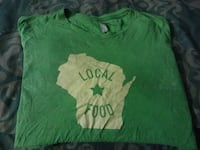 Size M . Mens Used Green T-shirt Short Sleeved