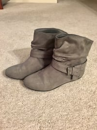 WOMEN'S GREY FALL BOOTS - SIZE 6.5 Mississauga, L4W 2Y1