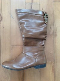 Women's brown leather boot size 7 1/2