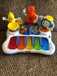 Fisher-Price laugh and learn playing piano Saint Peters, 63376