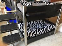 Dogs bunk bed Surrey, V3T 2P7