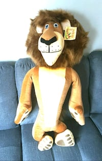 3 FT. MADAGASCAR STUFFED TOY
