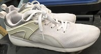 PUMA white athletic shoes New Westminster, V3L 4N4