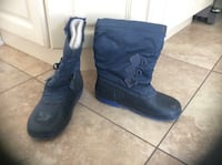 BOOTS SIZE 3